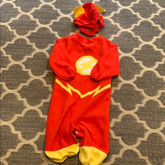 Very soft Flash costume/ pajamas EUC 2T